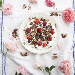 Bild für Quinoa Granola by Donna Hay