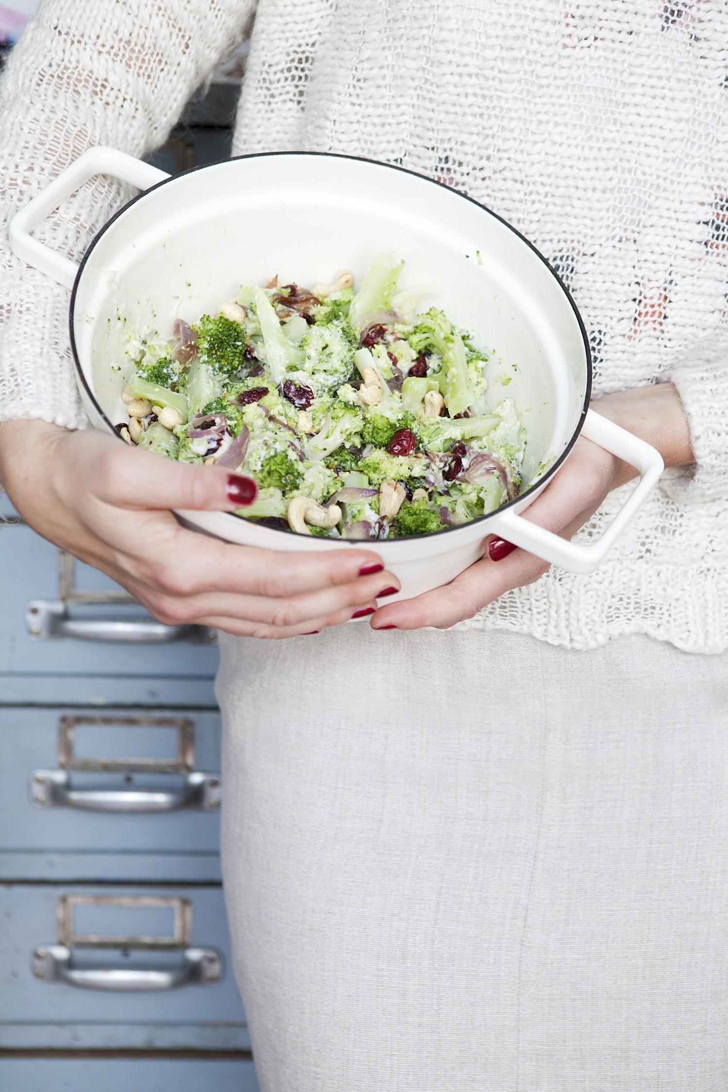 Crunchy Brokkoli-Salat mit Cranberries